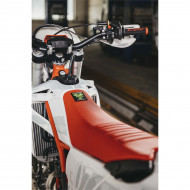 X-GRIP SEAT COVER BABOONS BUTT BETA RR & XTRAINER / (RED * BLACK) 13-19 XG-2232